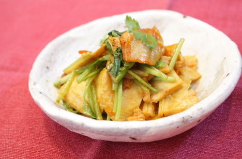 今日のキムチ料理レシピ:たけのことキムチの炒め和え
