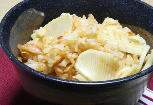 今日のキムチ料理レシピ:たけのことキムチのおこわ