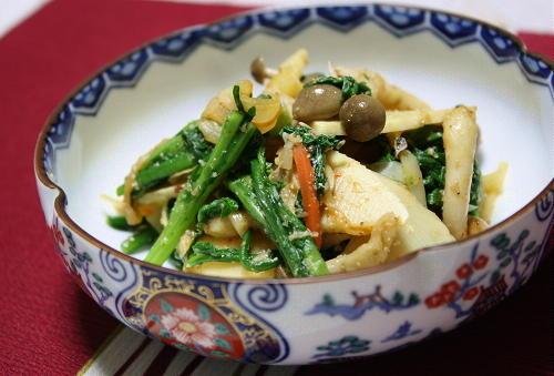 今日のキムチ料理レシピ: たけのこと春菊とキムチのごま和え