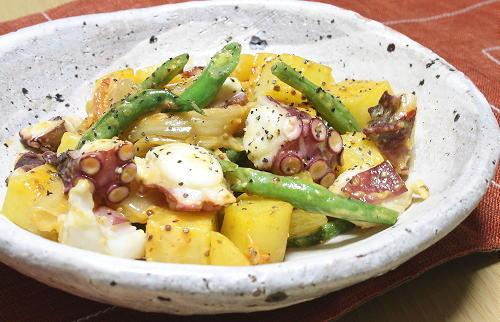 今日のキムチ料理レシピ:たことじゃがいものキムチ炒め