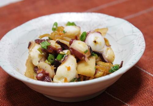 今日のキムチ料理レシピ:タコとキムチのバターガーリック炒め