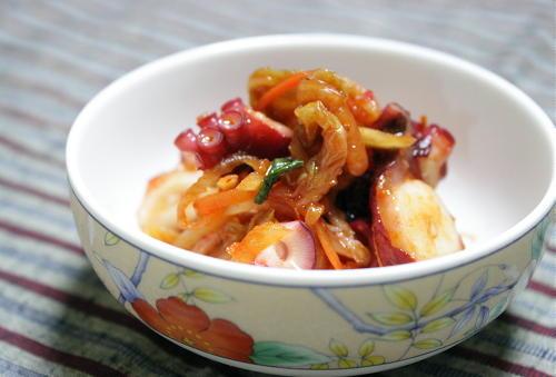 今日のキムチ料理レシピ:タコのキムチ和え