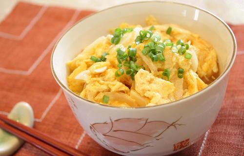 今日のキムチ料理レシピ:キムチ卵のプチあんかけ丼