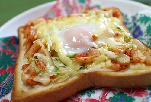 今日のキムチ料理レシピ:卵キムチトースト
