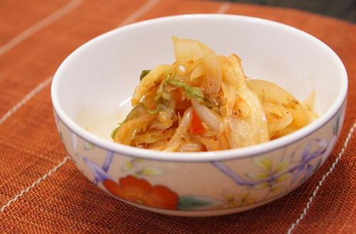 今日のキムチ料理レシピ:玉ねぎとキムチのバターしょうゆ和え