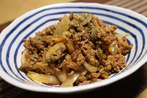 今日のキムチ料理レシピ:玉ねぎのひき肉キムチ炒め煮