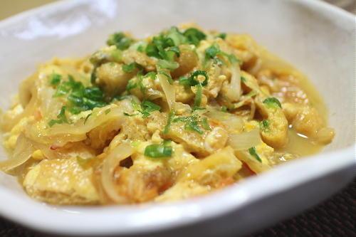 今日のキムチ料理レシピ:玉ねぎとキムチの卵とじ
