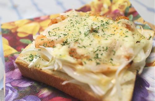 今日のキムチ料理レシピ:玉ねぎキムチトースト