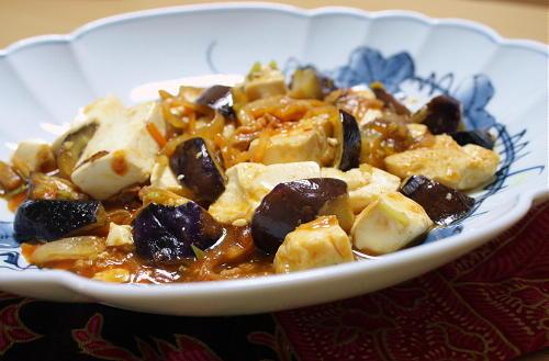 今日のキムチ料理レシピ:茄子と豆腐のキムチ担々炒め