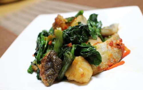 今日のキムチレシピほうれん草とタラのキムチ炒め: