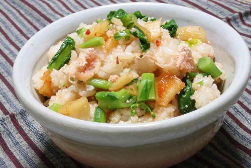 菜花とたらことキムチの混ぜごはんレシピ