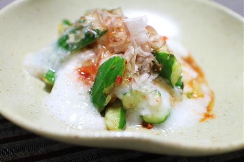 今日のキムチ料理レシピ:たたき胡瓜とキムチの長芋和え