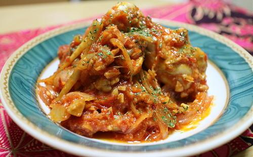 鶏手羽とごぼうのピリ辛トマトチーズ煮レシピ