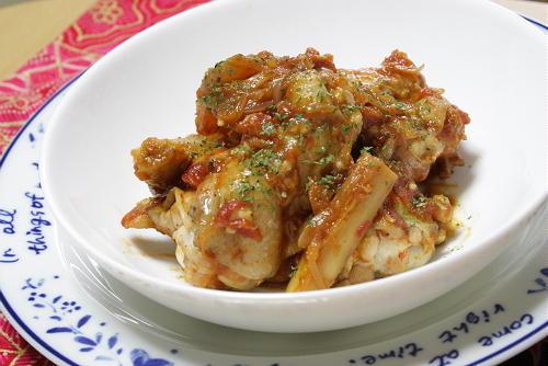 今日のキムチ料理レシピ:鶏肉とごぼうのキムチトマト煮