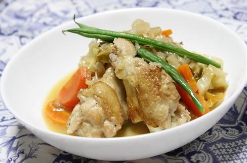 今日のキムチ料理レシピ:手羽元のキムチワイン煮