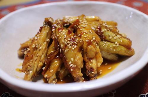 今日のキムチ料理レシピ:鶏手羽中とねぎのピリ辛煮