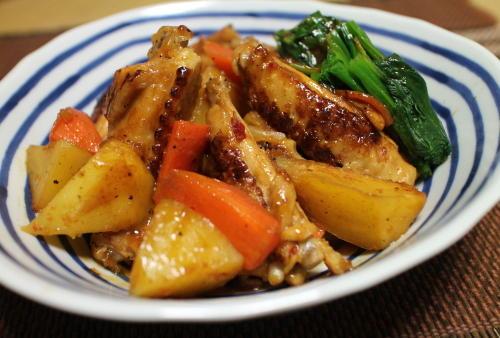 今日のキムチ料理レシピ:手羽中のキムチオイスター煮