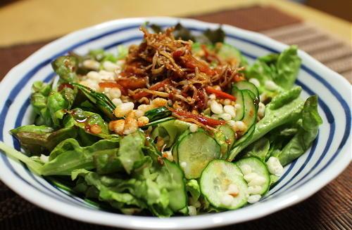 今日のキムチ料理レシピ:天かすピリ辛サラダ