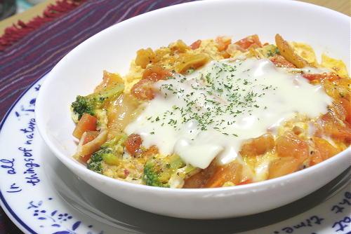 今日のキムチ料理レシピ: トマキムチチーズのスープご飯