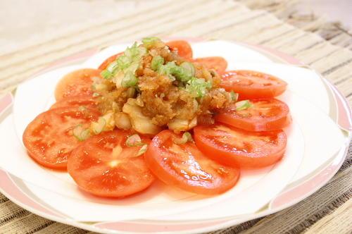 今日のキムチ料理レシピ:トマトのキムチおろしドレッシング