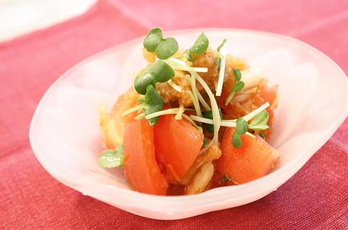 今日のキムチ料理レシピ:トマトのおろしキムチサラダ