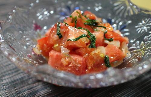 トマトのキムチらっきょうドレッシングサラダレシピ