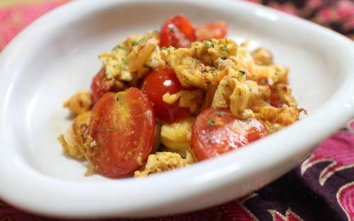 今日のキムチ料理レシピ:プチトマトとキムチの卵炒め
