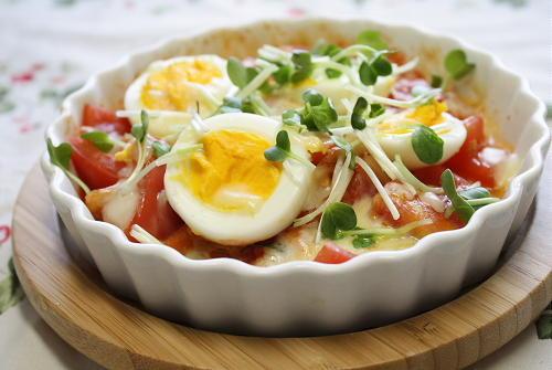 今日のキムチ料理レシピ:トマトと卵のキムチチーズ焼き