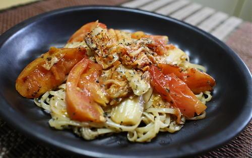 今日のキムチレシピ:トマトとキムチの焼き稲庭うどん