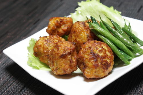 今日のキムチ料理レシピ:鶏キムチの揚げ団子
