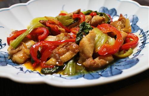今日のキムチ料理レシピ:鶏とキムチの甘酢炒め