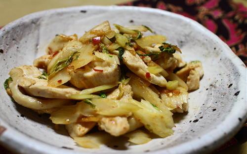 今日のキムチレシピ:鶏肉とセロリのキムチマヨオイスター炒め