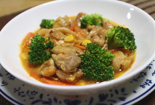 今日のキムチ料理レシピ:鶏肉のキムチクリームコーン煮