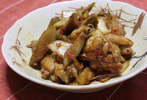 今日のキムチ料理レシピ:鶏ごぼうのキムチ煮
