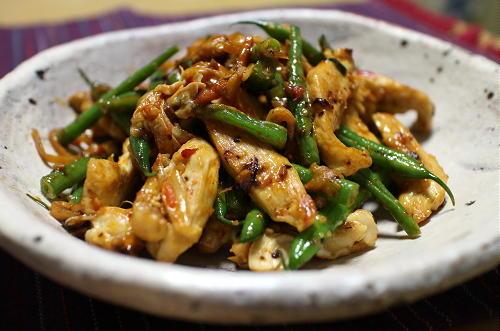 今日のキムチレシピ:鶏肉といんげんのキムチマヨ炒め