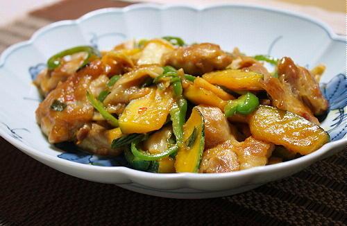 今日のキムチ料理レシピ:鶏肉とかぼちゃとキムチの甘味噌炒め