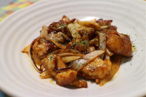 今日のキムチレシピ:鶏肉のキムチケチャップ炒め