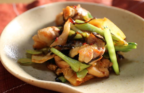 今日のキムチレシピ:鶏肉と小松菜とキムチ昆布炒め