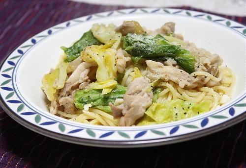 今日のキムチ料理レシピ:鶏肉とキャベツのキムチパスタ