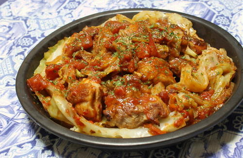 今日のキムチ料理レシピ:鶏肉とキャベツのトマトキムチ蒸し