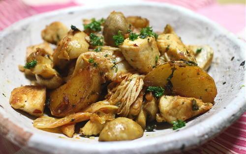 今日のキムチレシピ:鶏肉とじゃがいものキムチ炒め