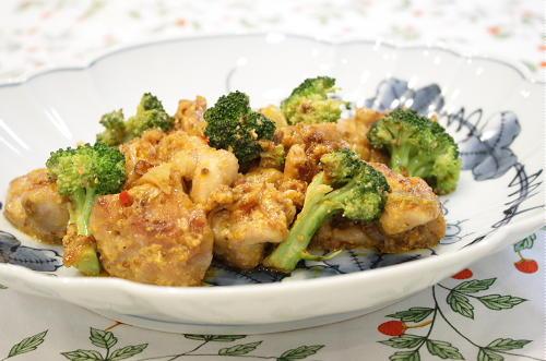 今日のキムチ料理レシピ:鶏肉とキムチの粒マスタード炒め