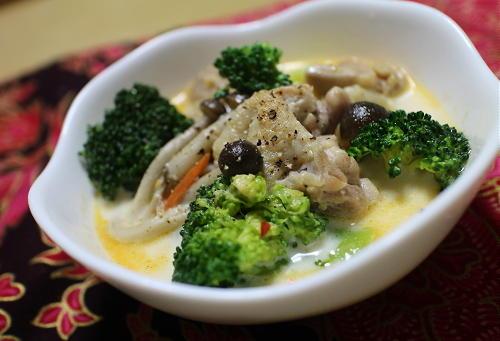 今日のキムチレシピ:鶏肉とキムチのミルク味噌スープ
