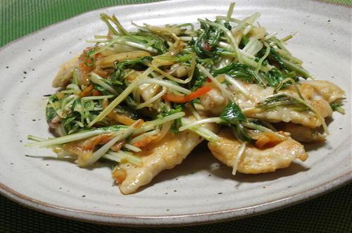 今日のキムチ料理レシピ:鶏肉と水菜のキムチ炒め