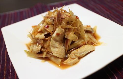今日のキムチ料理レシピ:鶏肉とみょうがの甘酢キムチ和え