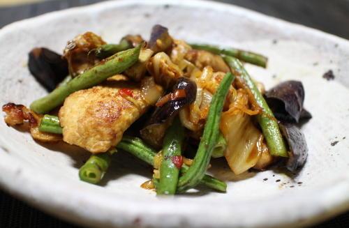 今日のキムチレシピ:鶏肉となすとキムチの甘酢