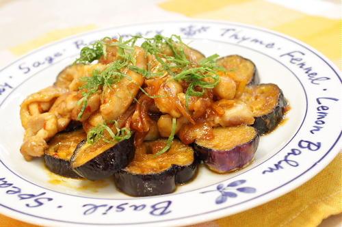 今日のキムチ料理レシピ:鶏肉とキムチの甘酢炒め
