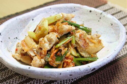 今日のキムチ料理レシピ:鶏肉とねぎとキムチのおかかポン酢和え