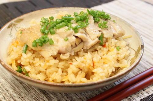 今日のキムチ料理レシピ:鶏肉キムチご飯
