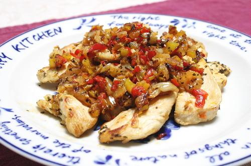 今日のキムチ料理レシピ:鶏肉のパプリカキムチ炒め
